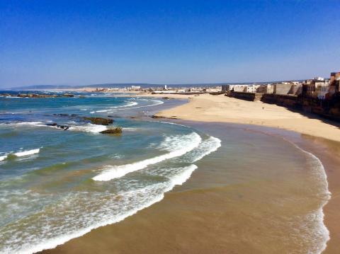 Wilder Strand an der Medina von Essaouira