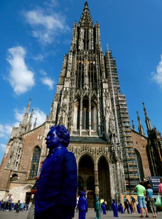 Einstein vorm Ulmer Münster