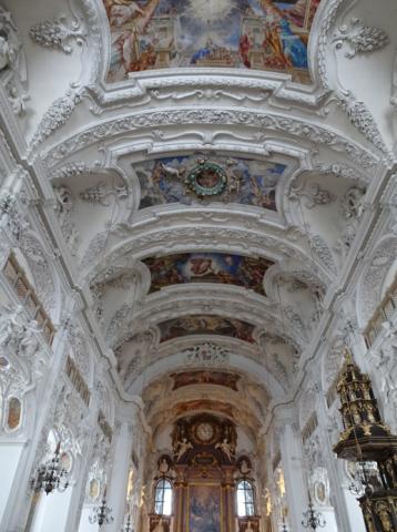 In der Klosterkirche von Benediktbeuern