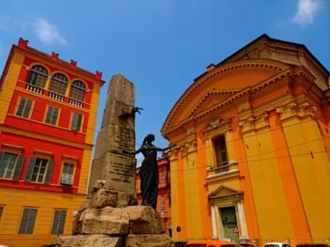 Modenas Monumento ai patrioti am Palazzo Ducale
