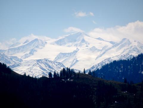 Ausblick von Neuhütte / Seeberg ins Ursprungstal gen österreichische Alpen