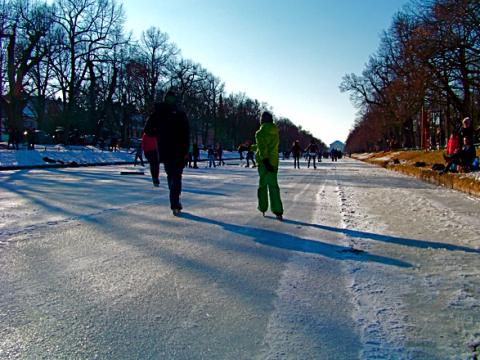 Eislaufen auf dem Nymphenburger Kanal