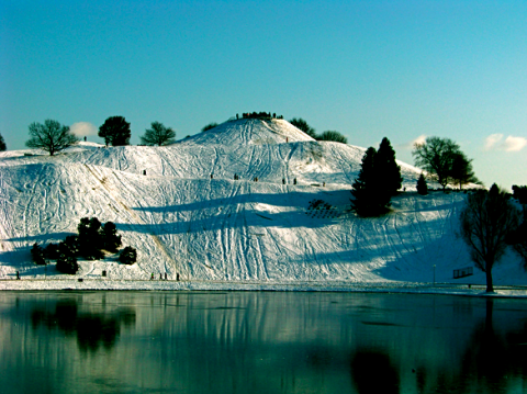 Olympiaberg im Schnee