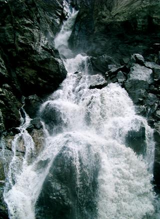 Suldenbachwasserfall an der Hängebrücke
