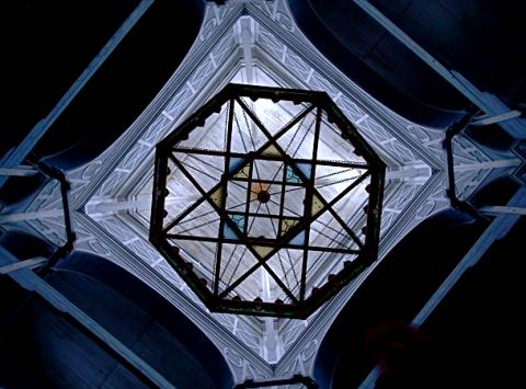 Decke der größten Holzkirche in Kerimäki