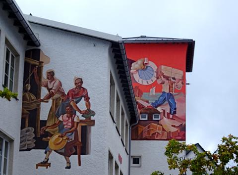 Mayser Hüte in Lindenberg, Fassadenbemalung