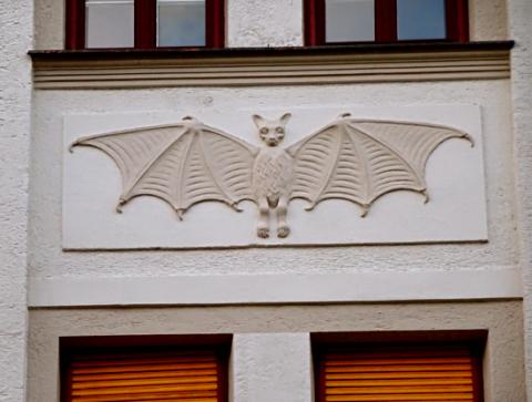 Hausfassade in der Clemensstraße zu Schwabing