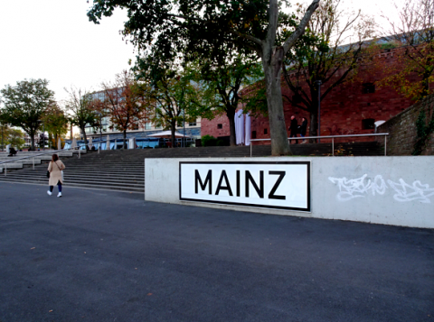 Mainzer Rheinufer