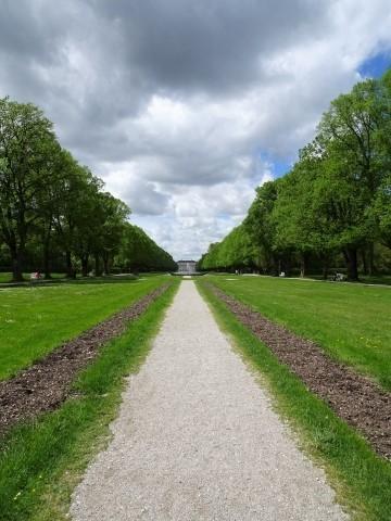Sichtachse im Hofgarten auf Schloss Schleisheim