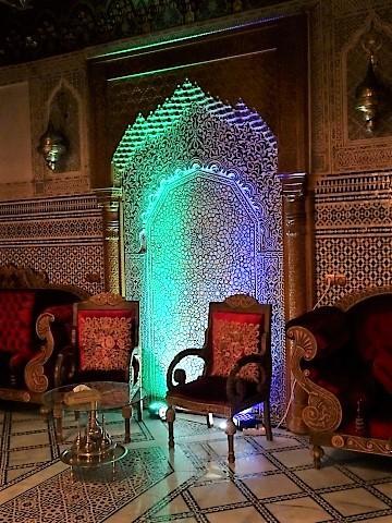 In der Eingangshalle Salam Riads in Fes